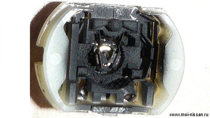 Моторчик замка двери Nissan