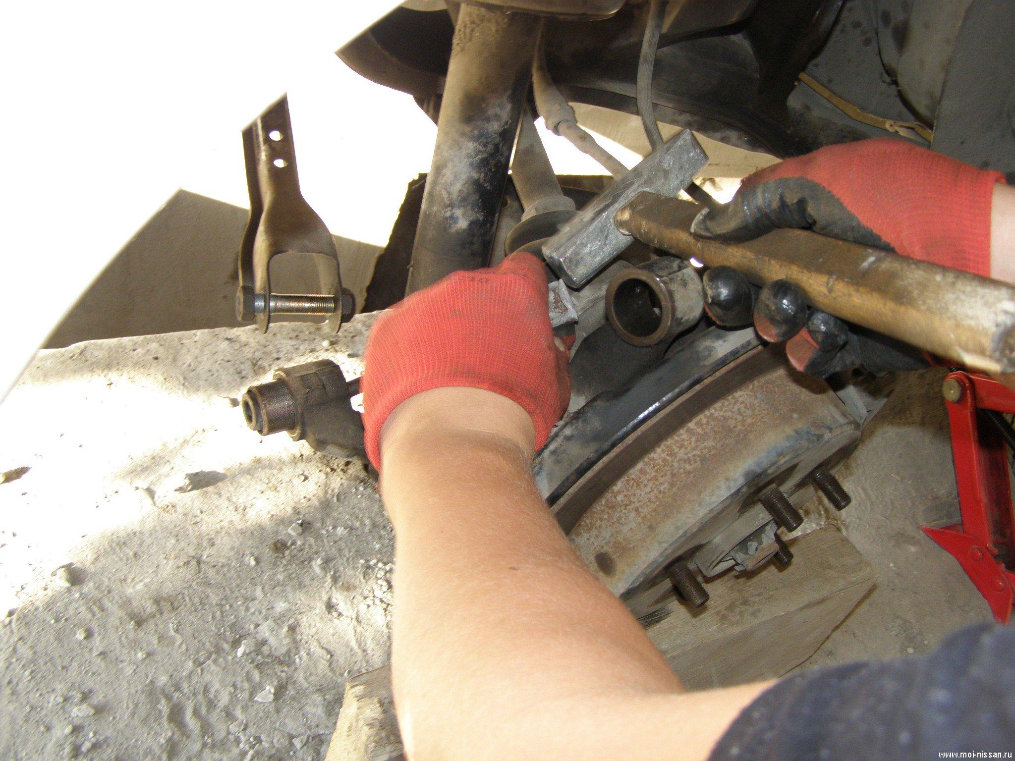 Замена сайлентблока передних рычагов ниссан своими руками 282