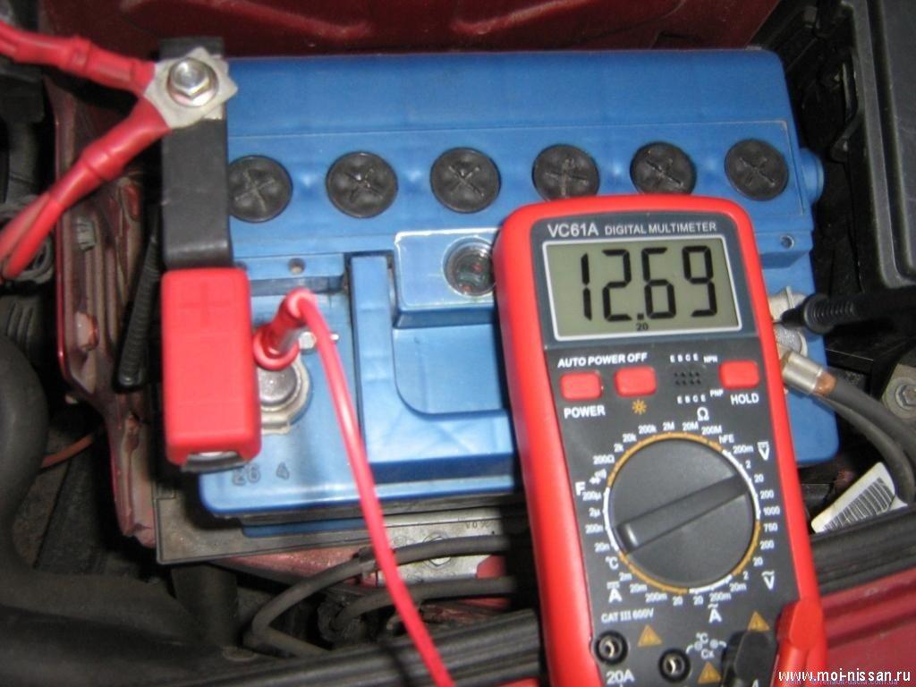 генератор дает не полный заряд аккумулятора nissan