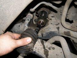 Фото отчет: Замена рулевых наконечников и рулевых тяг на Nissan Teana