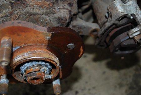 Nissan Cefiro A31 ... Обломилась шпилька ступицы