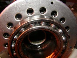 Вязкостная муфта заднего редуктора Nissan в разборе