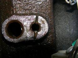 При попытки открутить датчик ABS отломился болт ... Датчик временно демонтирован